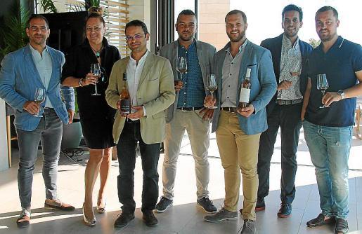 Ugo Moreno, Eleonor Rosselló, Vilislav Vili, Alfonso Gornés, José Pons, Carlos Soto y José Javier Cabrera.