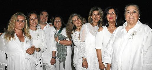 Xima Ferrer, Luisa Ibáñez, Jaime Ripoll, Marisa Cañadas, Elisabet Gil, Lena Llompart, Conchi Villamil y Manuela de la Vega.