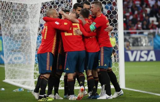 Celebración de uno de los goles del conjunto de Fernando Hierro en su empate ante el conjunto magrebí.