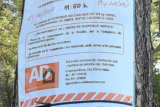 Cartel colocado por la ADT en la zona de la tala.