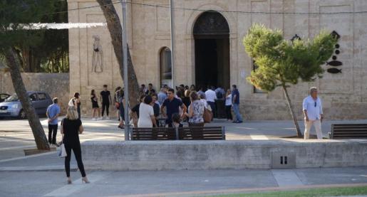 Este martes, a las 20.00 horas. se celebró en la iglesia de Sant Marçal el funeral por Paula Fornés.
