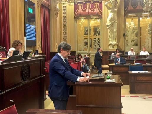 Imagen del diputado socialista Vicenç Thomàs este miércoles en el Parlament.