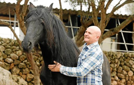 El empresario Manuel Sabín siente una pasión por el mundo de los caballos y por ello decidió apostar por Son Martorellet.