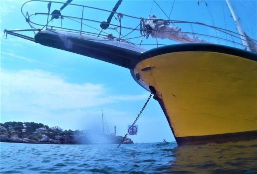 El velero Totem, en Portocolom.