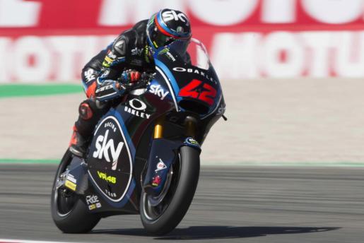 El piloto de Moto2 italiano Francesco Bagnaia, de Sky Racing Team, participa en una sesión de entrenamientos libres para el Gran Premio de Holanda.