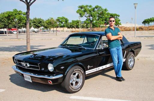 Luis Santamaría compró hace ocho año este Mustang de 1965 en Estados Unidos