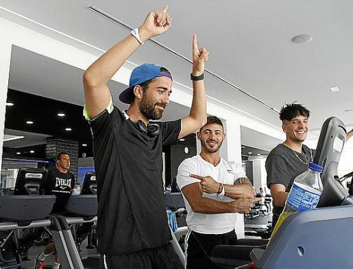 Los dos amigos, que contaron con la preparación física de Javi Melchor, comenzaron la prueba a medianoche en el gimnasio.