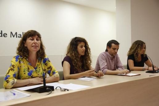 Marta Fuxà, Aina Sastre y Llorenç Carrió durante su intervención conjunta.