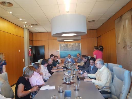 Un momento de la reunión celebrada este viernes en el Ayuntamiento de Calvià.