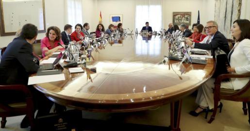 El presidente del Gobierno, Pedro Sánchez, preside la reunión del Consejo de Ministros.