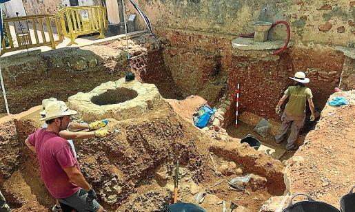 El osario pendiente de excavar, en el centro del área delimitada.