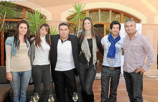 Carolina Coll, Silvia Pérez, Manu Blanco, Eva Sicilia, Cristian Martin y José Abellán.