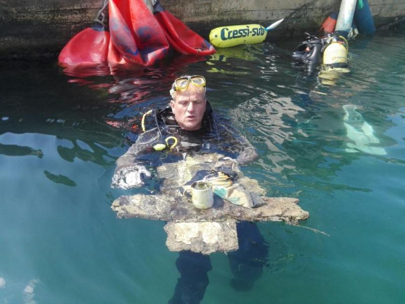 Limpieza del fondo marino en Cala Figuera