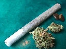 Un pequeño de 10 años es ingresado en Tudela (Navarra) tras fumarse un porro de cannabis.