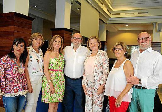 Eugenia Guillén, Isabel Bobadilla, Amparo Palmer, Lleonard Vicens, Marisol Bobadilla, Carmen Casalí y Joan Bonet.