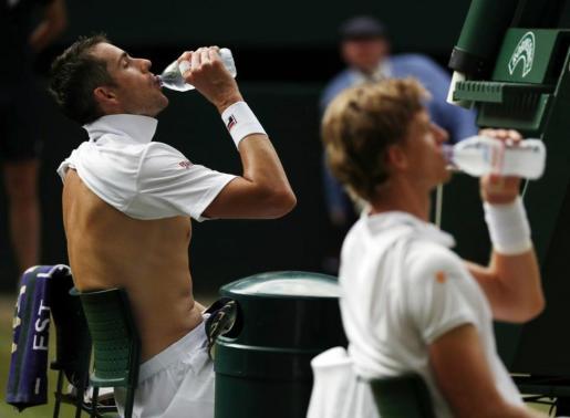 El eterno Isner-Anderson retrasa el duelo entre Nadal y Djokovic