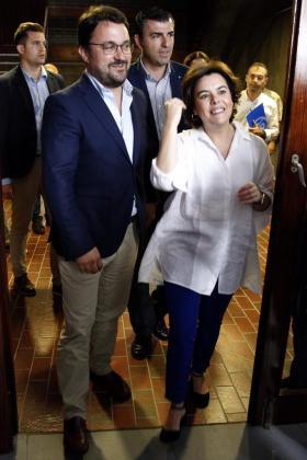 La exvicepresidenta reprocha a Casado que hiciera «un favor a Pedro Sánchez» al decir que fueron sus políticas en el Gobierno de Rajoy las que llevaron al PP en la oposición.