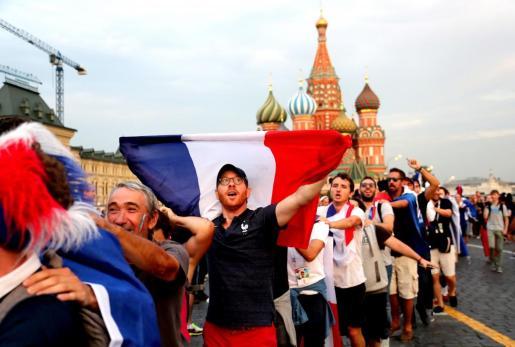 Aficionados franceses en las horas previas a la gran final del Mundial.