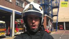Así actuaron los bomberos de Madrid para rescatar el autobús que quedó colgando de un puente