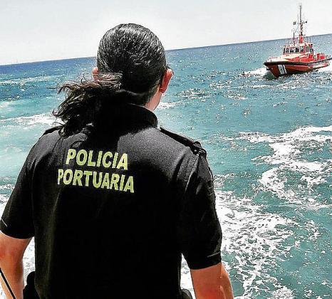 La policía portuaria actuó en el rescate.