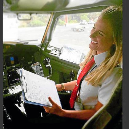 La piloto noruega Sara Johansson tiene más 30.000 seguidores a los que cuenta sus experiencias y anima a volar. Es piloto de aviación en la compañía de vuelos privados Indistryfly, y tiene su base en Palma.