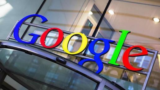 «Google ha impuesto restricciones ilegales a los fabricantes de dispositivos Android y operadores de redes móviles para consolidar su posición de dominio en las búsquedas en internet», según el Ejecutivo comunitario.