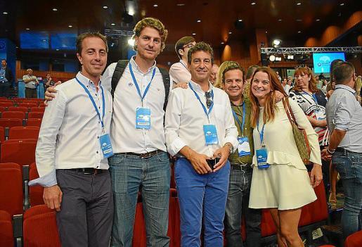 Company, con los cuatro integrantes de la nueva dirección del PP.