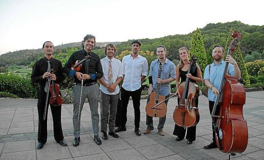 Marco Lohikari, Oriol Saña, Noah German, Facundo Corostoga, Alvaro Bogajo, Marta Roma y Enrique Pastor.