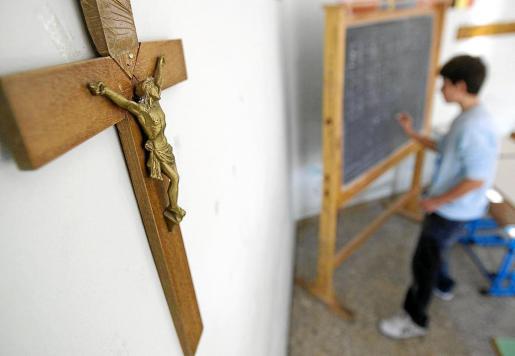 El Govern ha llevado ante el Tribunal Supremo la decisión del TSJB de anular, a petición del Obispado, el decreto por el que fijaba en una única hora semanal las dedicadas a la enseñanza de la religión católica durante toda la Educación Primaria.
