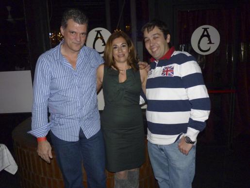 Ricardo Alemany, Nines Hernández y Carlos Campa.