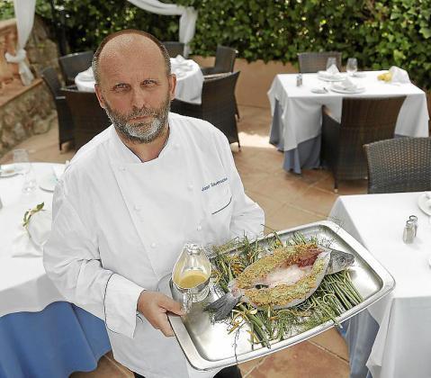 Desde Deià, el restaurante El Raco des Teix nos propone una receta fresca de pescado.