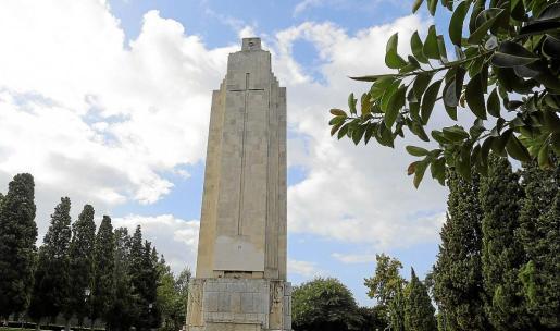Más de 42 años después de la muerte de Franco, el monumento continua en pie entre decisiones judiciales.