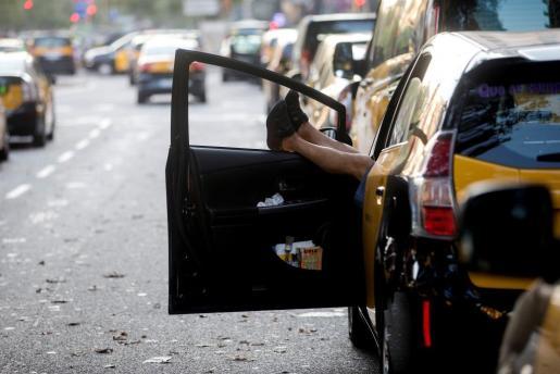 Taxistas de Barcelona, durante el paro.