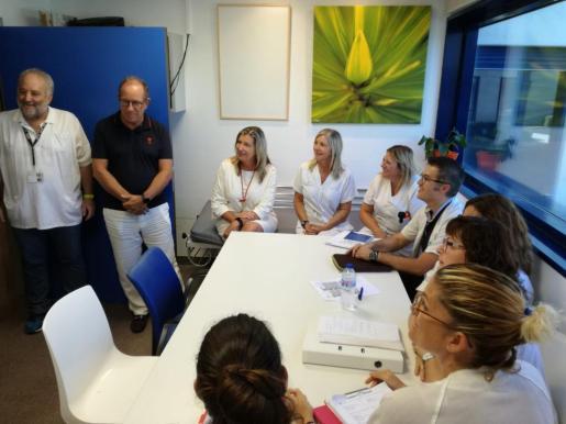 Momento de la visita al hospital de Inca de la consellera de Salud, Patricia Gómez,