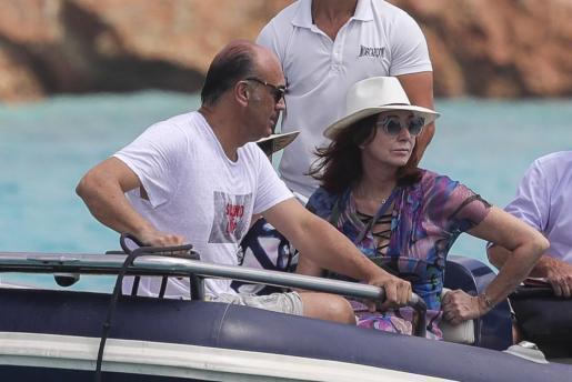 Imagen de archivo de Ana Rosa Quintana y Juan Muñoz veraneando en Ibiza.