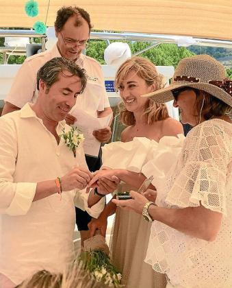 Andreu Arbona y Elena Montejo se dieron el 'sí quiero' en el mar.