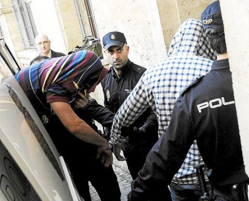 Momento en el que los detenidos pasan a disposición judicial.