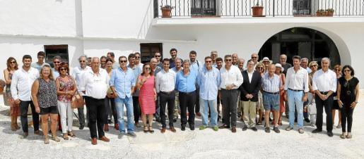 Foto de familia de los asistentes al quinto Foro Mongofra de Economía y Medio Ambiente organizado por Es Diari, la Fundació Rubió y Mongofre World Heritage.