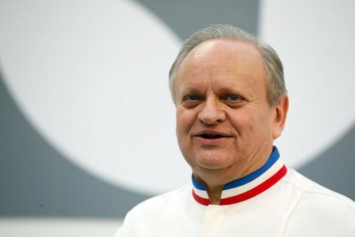 Imagen de archivo del chef, enseña de la gastronomía francesa e icono mundial.