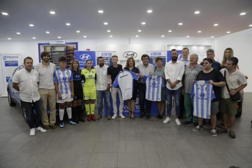 Momento de la presentación del equipo femenino del Atlético Baleares.