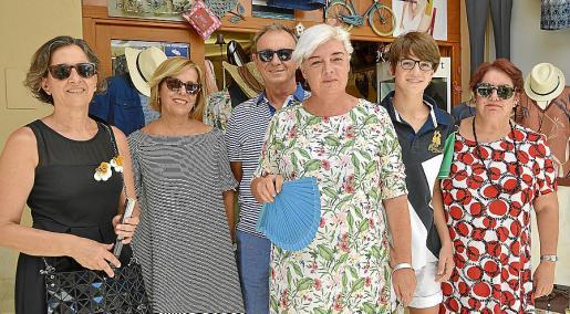 Margalida Reynés, Antònia Cladera, Jaume Oliver, Antònia Bergas, Bartomeu Guardiola y Àngela Bosch.