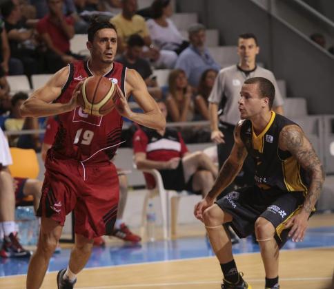 Con el fichaje de Tomàs (izquierda), el Baxi Manresa, que este año regresa a la ACB, tiene resuelta buena parte de la plantilla y cubierto el cupo de jugadores nacionales.