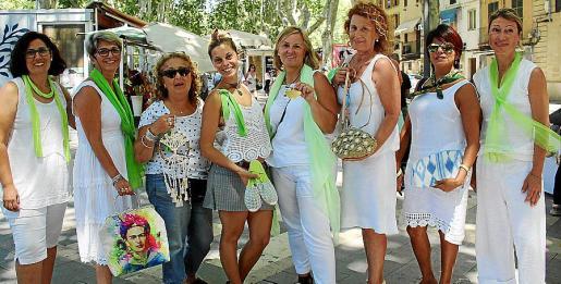 Elena Monteoliva, Pilar López, Silvana Cetrola, Melody Padula, Silvia Barceló, Miriam Quesada, Tatiana Peralvo y Muriel Malchus.