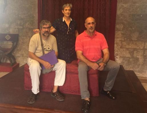 Imagen de Magdalena Roselló, Lluc Mas y Lluís Moyá en la rueda de prensa del programa de las 'perseidas' en el Castillo de Bellver.