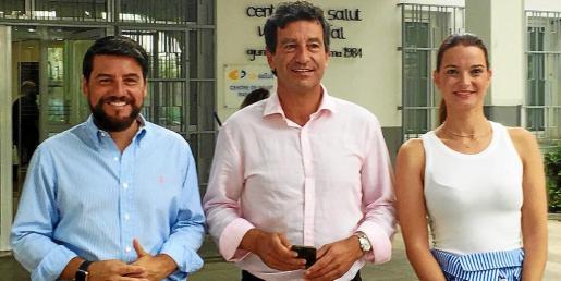 El concejal de Cort Javi Bonet, el presidente Biel Company y la portavoz Marga Prohens explicaron la querella.