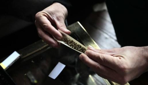 Los hechos se remontan al pasado miércoles cuando los padres de la bebéla trasladaron hasta el hospital Materno Infantil de Granada, donde descubrieron que sus síntomas de somnolencia se correspondían con una intoxicación por cannabis.