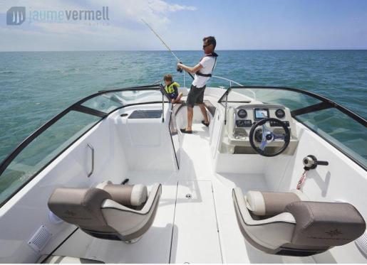 Jaume Vermell Nàutica ofrece una gran gama de embarcaciones nuevas y demo, a precios increíbles para que no se escape disfrutar del verano.