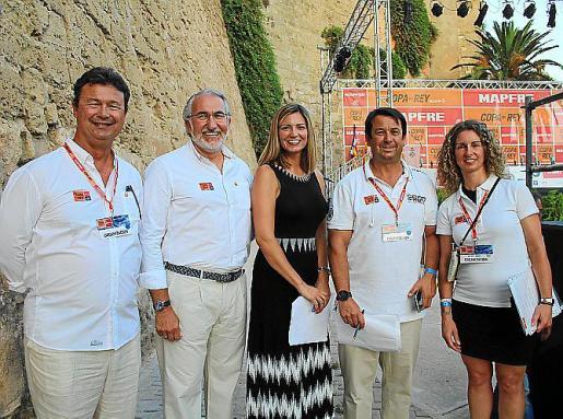 Jaume Carbonell, Alejandro López-Aliaga, Barbara Besalduch, Manu Fraile y Neus Jordi.