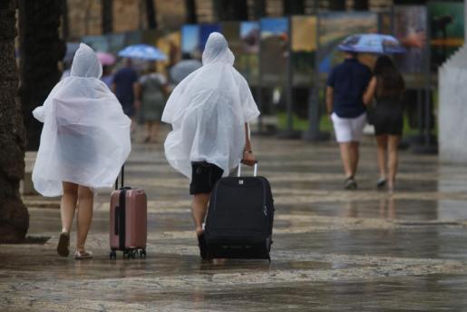 Imagen del temporal de verano de este viernes en Palma.
