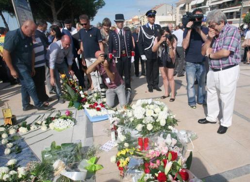 Roque Oriol, viudo de Ana María Suárez, la mujer zaragozana que sufrió en el atentado terrorista en Cambrils (Tarragona), durante el acto homenaje a las víctimas de los atentados terroristas del 17A.